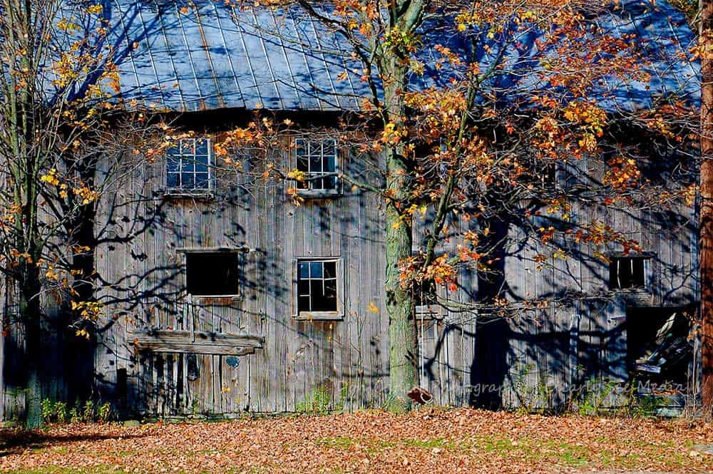 Fall-Barn-CLSEE